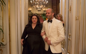 "Susan Cooper (Melissa McCarthy) and her fellow CIA operative Rick Ford (Jason Statham) pose as a ""happy"" couple as they go deep undercover to stop an arms dealer."